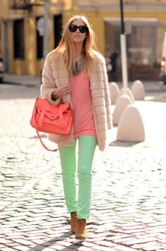 Pastel green jeans & cream fur! ❤️