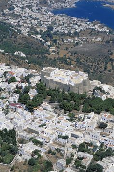 Patmos island from above, Dodecanese, Greece Wonderful Places, Beautiful Places, Santorini Villas, Myconos, Places In Greece, Samos, Greece Islands, Above The Clouds, Secret Places