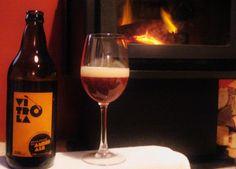 Cerveja Vitrola Amber Ale, estilo American Amber Ale, produzida por  Cervejaria Caseira, Brasil. 5.6% ABV de álcool.