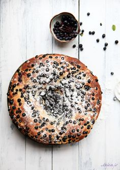blueberry black currant yeast cake