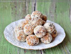 Már egy ideje foglalkoztatott a gondolat, hogy elkészítem a zserbógolyó cukormentes változatát. Régebben elkészítettem az eredeti változatát is, itt olvasható. Ez most egy kevésbé édes, egyszerű ve… Energy Bites, Muffin, Paleo, Vegan, Baking, Breakfast, Desserts, Food, Candy