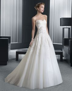 Dathybridal 格安なハートカット チャーチ ボールガウン 花嫁のドレス ウェディングドレス Hro0132