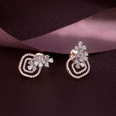 Check out these amazing diamond earrings at the Diamond Mela … Diamond evenings ! Check out these amazing diamond earrings at the Diamond Mela store today ! Pendant Set, Diamond Pendant, Diamond Jewelry, Silver Jewelry, Diamond Earrings Indian, Diamond Earings Studs, Glass Jewelry, Diamond Rings, Diamond Chandelier Earrings