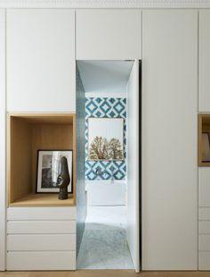 Bedroom furniture wardrobe built ins 32 trendy ideas Built In Furniture, House Design, Door Design, Interior, Built Ins, Home Selling Tips, Hidden Door, House Interior, Bedroom Door Design