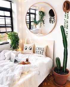 Minimalist bedroom design Ideas - has never failed to provide the elegant look. No wonder many homeowners want to feel the luxurious ambience when sleeping. Aesthetic Bedroom, Dream Rooms, My New Room, The Room, House Rooms, Living Rooms, Interior Design, Interior Modern, Minimalist Interior