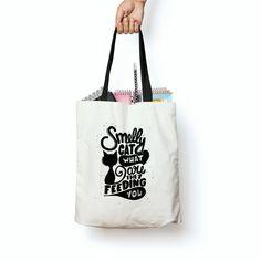 03d875c4e Veja nosso novo produto Bolsa Ecológica Ecobag Series TV Friends Phoebe  Smelly Cat! Se gostar