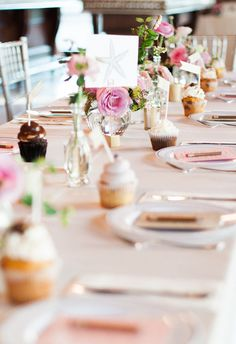 Personal cupcakes at each place setting // Judy Nuñez Photography