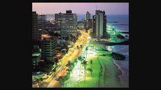 Praia de Iracema a noite Fortaleza Brasil