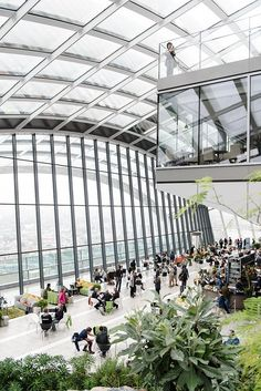 Sky Garden in London - a public garden on the floor of the Walkie Talkie building in London with spectacular views. And it's free to visit/ make everyday beautiful/ lounge & cloth/ visit london/ days out with the kids London 2016, London Life, London Architecture, London Places, Things To Do In London, Public Garden, London Travel, London England, Harrods