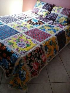 Ideas Crazy Quilting Projects Wall Hangings For 2020 Big Block Quilts, Quilt Blocks, Patch Quilt, Rag Quilt, Quilted Curtains, Blue Jean Quilts, Hexagon Quilt, Quilt Patterns Free, Easy Quilts
