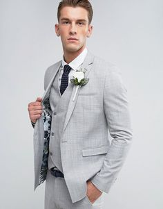 Find the best selection of ASOS Wedding Skinny Suit Jacket in Crosshatch Nep In Light Gray With Floral Print Lining. Shop today with free delivery and returns (Ts&Cs apply) with ASOS! Suits For Guys, Prom Suits For Men, Mens Suits, Groomsmen Suits, Groom Attire, Light Grey Suits Wedding, Wedding Suits, Light Grey Suit Men, Costumes Gris Clair