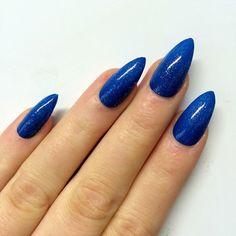 loving this nail colour xx
