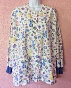 Hice Womens Scrub Jacket Size Small White Cat Dog Flowers Snap Front 2 Pockets #Hice