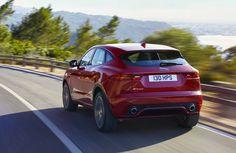 """Jaguar E-Pace. Non chiamatela """"piccola""""  Il nuovo SUV compatto della Casa di Coventry lancia la sfida a """"mostri sacri"""" che rispondono ai nomi di Audi Q3 e BMW X1. La E-Pace è lunga lunga solo 4,40 metri ma offre alte prestazioni, agilità e guida sportiva. [VIDEO]   Importanti ispirazioni Lo stile della Jaguar E-Pace riprende alcuni aspe..."""