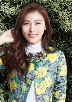 Crocodile Ladies Spring 2015 Visuals Feat. Ha Ji Won | Couch Kimchi