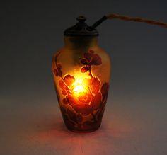 エミール・ガレ「桜文様 常夜燈」1910年ごろ カメオ彫