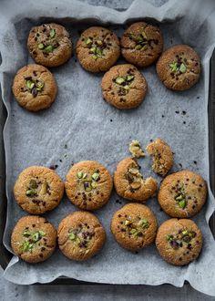 5 Ingredient Vegan Tahini And Almond Cookies - Cook Republic #vegan #glutenfree #tahini #cookies