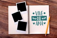 Personaliza tu álbum de fotos con esta pegatina de Vive, ríe, ama. Ideas, Jars, Shop Displays, Vinyls, Live, Stickers, Restaurants, Thoughts