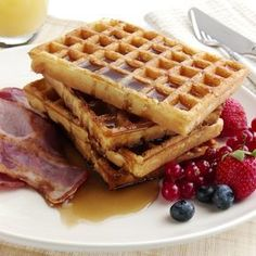 receta básica para wafles Brunch, Crepes, Bon Appetit, Sweet 16, Breakfast Recipes, Sweet Tooth, Bakery, Sandwiches, Tasty