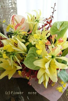 『【誕生日祝花】ビタミンカラーでおめでとう!』 http://ameblo.jp/flower-note/entry-11347863480.html