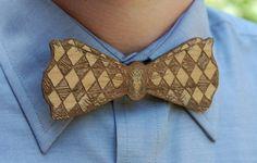 Mariage: Un noeud papillon très original et rustique (en bois