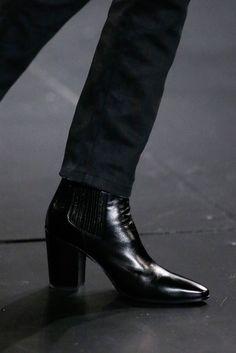men's boots Saint Laurent - Fall 2015 Menswear - Look 12 of 98 Mens Heeled Boots, Men In Boots, Man Boots, Cuban Heel Boots, Saint Laurent Boots, Men In Heels, Dress With Boots, Men Dress, Men In Dresses
