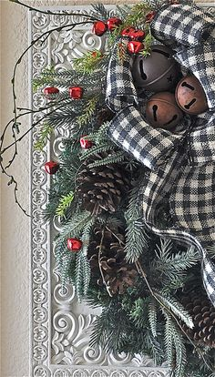 Door Wreath with Pine, Red Berries, Pinecones and Burlap - Christmas Wreath - Winter Wreath - Christmas Decoration - Rustic Holiday Wreath Primitive Christmas, Noel Christmas, Country Christmas, Christmas Projects, Winter Christmas, All Things Christmas, Xmas, Thanksgiving Holiday, Holiday Wreaths