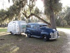 Early Chevy Suburban and Airstream, really neat. Airstream Bambi, Vintage Airstream, Airstream Trailers, Airstream Camping, Old Campers, Vintage Campers Trailers, Retro Campers, Vintage Rv, Vintage Trucks