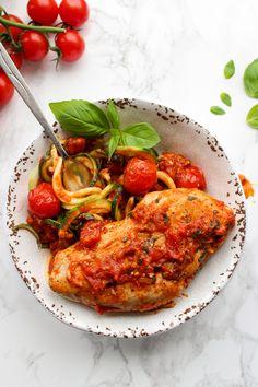 Tomato Basil Garlic Chicken over zucchini noodles| Whole 30