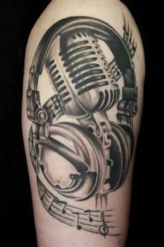 What does microphone tattoo mean? We have microphone tattoo ideas, designs, symbolism and we explain the meaning behind the tattoo. Neue Tattoos, Music Tattoos, Body Art Tattoos, Cool Tattoos, Buddha Tattoos, Hand Tattoos, Tatoos, Tatuagem Headphones, Headphones Tattoo
