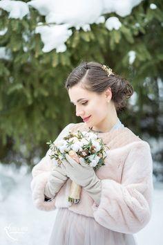 Winter wedding   Winterhochzeit   Braut   Winter Styling   Winter Brautstrauss
