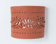 ENVÍO gratuito lámpara de pared de cerámica por CeramicART4U Ceramic Pottery, Ceramic Art, Transparent Plastic Sheet, How To Make Clay, Hand Built Pottery, Plastic Sheets, Tea Lights, Candle Holders, Gifts