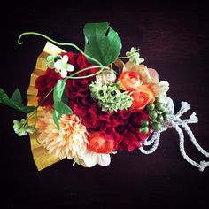 オーダーいただいた扇子ブーケ 和装の時もお手元にお花を・・・