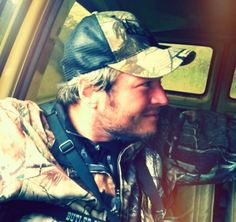 *Swoon* Blake Shelton= Everything A Man Should Be!