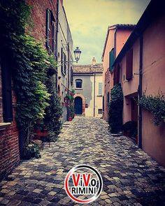 -----------------------------  ---------------------------------------------  Santarcangelo di Romagna  by @stefy_82_ visitate la sua splendida galleria!! --------------------------------------------- admin @_elisagasperoni & @ariannapruccoli follow @vivorimini tag #vivorimini --------------------------------------------- Tagga solo foto scattate da te!!! Continuate a seguirci e taggate le vostre foto piu belle con il Tag #vivorimini --------------------------------------------- VivoRimini è…