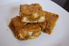 White Chocolate Chip Pumpkin Blondies  I tried these and they are really good. I cooked for 40, but 35 would have been enough KEEPER