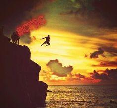 Успех приходит не к тому, кто рано встаёт, а к тому, кто просыпается в хорошем настроении. Марсель Ашар #цитатаотстэс