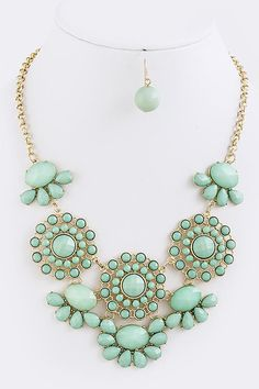 Loving the mint green! Perfect pastel color for spring. #SpringStyle #Jewelry