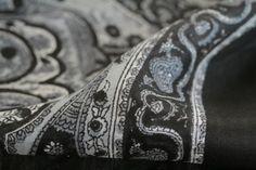 74b141c82a15 Foulard en soie Bhoutan. Artisanat Indien, Homme Femme, Inde, Echarpe ...