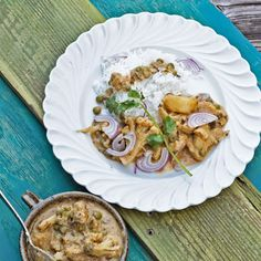 A Cook's Memoir - Inspired recipes from our travels to many exotic lands: Onion and Cashew Paste Curry with Vegetables