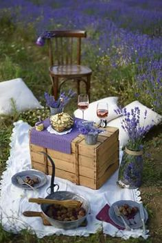 A Picnic in the Lavender Fields Picnic Set, Picnic Time, Summer Picnic, Lavender Cottage, Lavender Fields, Lavander, Lavender Garden, Lavender Flowers, Enjoy Your Meal