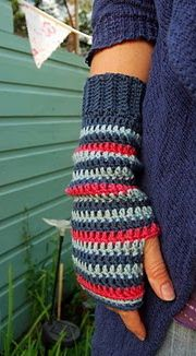 Crochet fingerless gloves  http://www.juliacrosslandart.com/free-goodies-and-tutorials