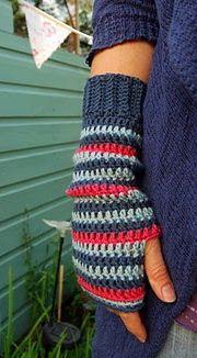 love 'em! Crochet fingerless gloves  http://www.juliacrosslandart.com/free-goodies-and-tutorials