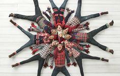 Family christmas photo outfit ideas - take photos that amaze Christmas Card Pictures, Vintage Christmas Photos, Xmas Photos, Christmas Photo Cards, Christmas Ideas, Christmas Quotes, Christmas Gifts, Christmas Inspiration, Christmas Decorations