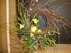 Handmade Grapevine Wreath with a bird  & a nest (i)