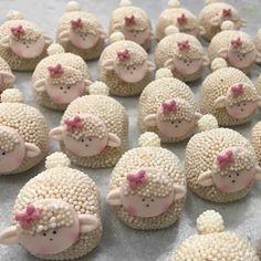 No photo description available. Mini Mouse Cupcakes, Easter Cupcakes, Easter Cookies, Easter Treats, Rose Cookies, Mini Cakes, Cupcake Cakes, Eid Party, Farm Animal Birthday