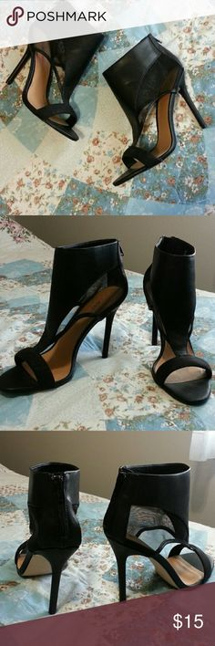 """Cute Black Heels A combination of faux leather and mesh material. 4"""" heel and has a zipper in the back. Clean and never been worn! Size 9 and true to size. JustFab Shoes"""