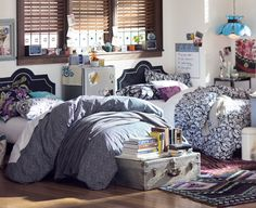 "Pottery Barn ""Room 717"" dorm idea. I can so see her in this room."