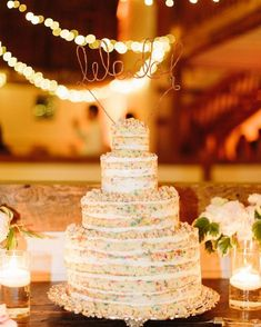 ウェディングケーキの新デザイン「ファンフェッティケーキ」とは   marry[マリー]