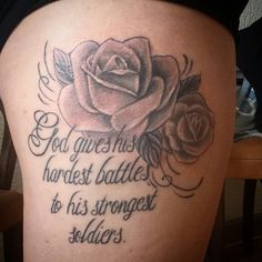 Roses et lettrage nina tattoo tattoos Girly Tattoos, Mama Tattoos, Spine Tattoos, Dope Tattoos, Dream Tattoos, Family Tattoos, Friend Tattoos, Pretty Tattoos, Leg Tattoos